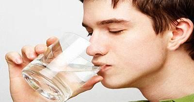 نوشیدن آب در این مواقع بسیار مضر است