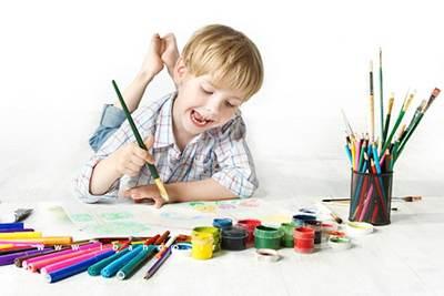 نقاشی های کودکان خود را این گونه تفسیر کنید