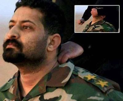 واکنش افسر عراقی هنگام سلاخی شدن توسط داعش