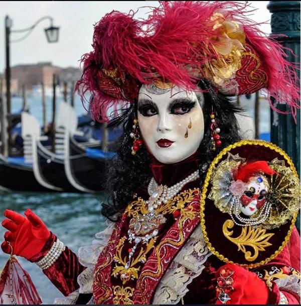 برگزاری باشکوه کارناوال ماسک ها در ونیز ایتالیا
