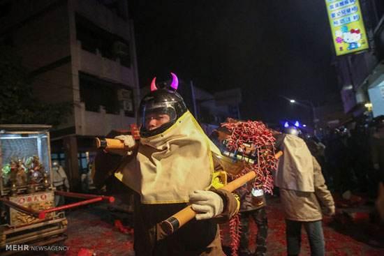 عکسهای عجیب از فستیوال آتش بازی خطرناک در تایوان