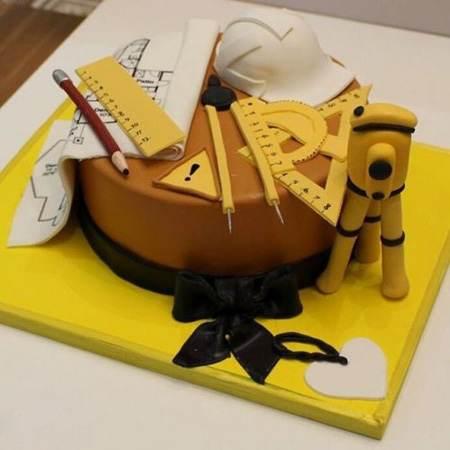 انواع مدل های تزیین کیک برای روز مهندس