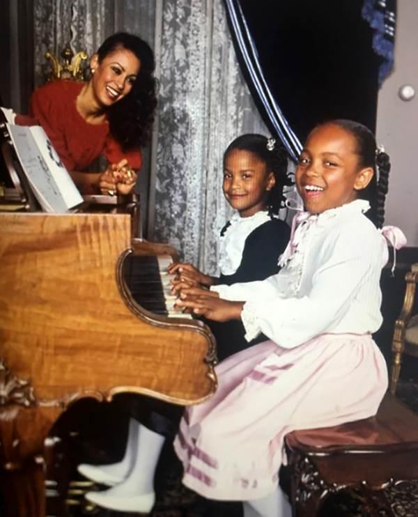 نگاهی به زندگی لیلا علی قهرمان بوکس جهان