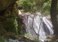 سفر به آبشار زیبا و دیدنی تنگ تامرادی