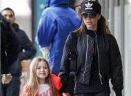 خوش گذرانی ویکتوریا بکهام و دخترش در لندن