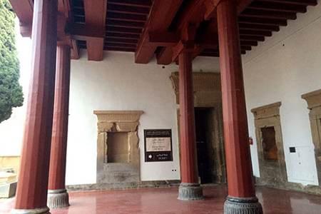 نگاهی به موزه تخت جمشید در استان فارس