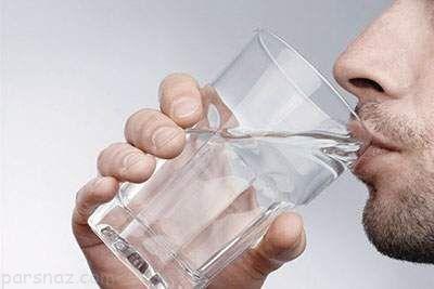 درباره نوشیدن آب در هنگام شب و مضرات آن