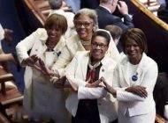 ماجرای زنان سفید پوش معترض به ترامپ