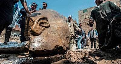 مجسمه تاریخی رامسس دوم فرعون مصر در خیابان قاهره