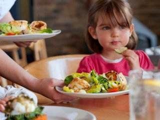 توجه به افزایش وزن کودکان در ایام نوروزی