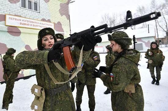 مسابقه جالب دختران زیبای ارتش روسیه