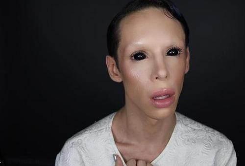 110 عمل زیبایی برای تبدیل به آدم فضایی بدون جنسیت
