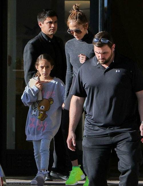 جنیفر لوپز و فرزندانش در حال خوش گذرانی در بورلی هیلز