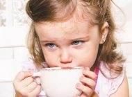 نوشیدن چای برای کودکان مفید است یا مضر؟