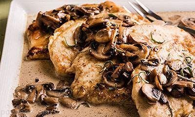 طرز تهیه خوراکی خوشمزه مرغ و قارچ عالی