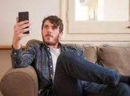 توهم لرزش گوشی موبایل از کجا می آید؟