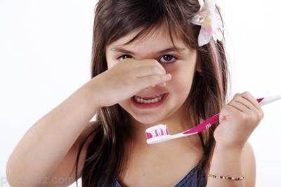 توصیه های مفید برای از بین بردن بوی بد دهان کودکان