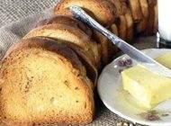 آموزش تهیه نان سوخاری خانگی خوشمزه