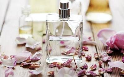 خطرات استفاده از عطر و ادکلن در حمام