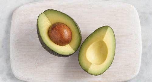 مواد خوراکی که منجر به سم زدایی بدن می شوند