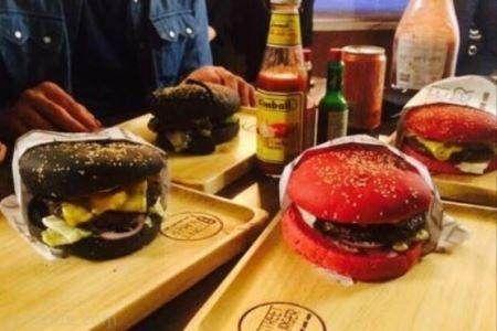 گران ترین همبرگر ایران در این رستوران سرو می شود