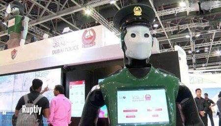 ربات های پلیس در دوبی شروع به کار کردند