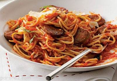 طرز تهیه اسپاگتی با سوسیس خوش طعم