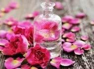 فواید نوشیدن گلاب برای آب رسانی پوست