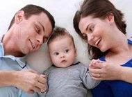 تقسیم وظایف مختلف زندگی بین پدر و مادر