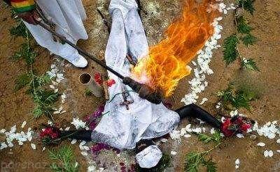 مراسم ترسناک خارج کردن جن از بدن افراد