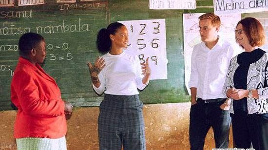 تیپ و استایل جذاب ریحانا در سفر به مالاوی