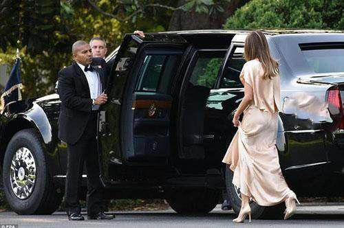 لباس زیبا و گران قیمت ملانیا ترامپ در تئاتر