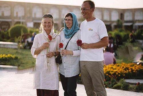 توریست های خارجی در حال خوشگذرانی در اصفهان