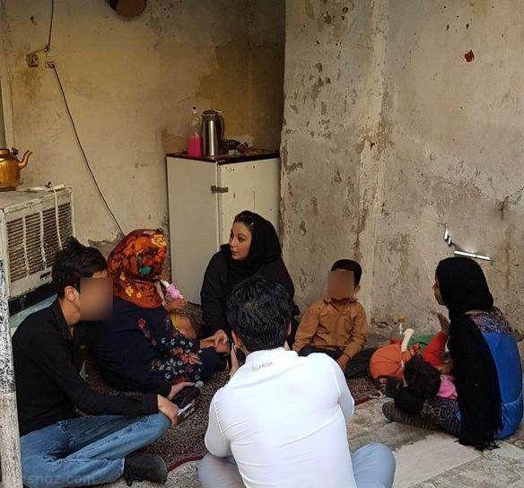 ملاقات بهنوش بختیاری با خانواده های فقیر +عکس