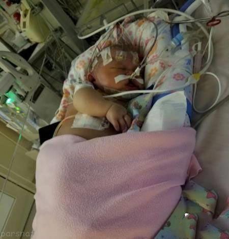 این نوزاد به خاطر بوسیدن جان خود را از دست داد +عکس
