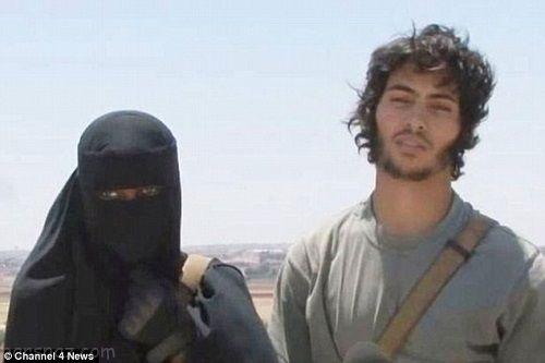 ملکه بیوه داعش هنگام فرار توسط پسرش اسیر شد