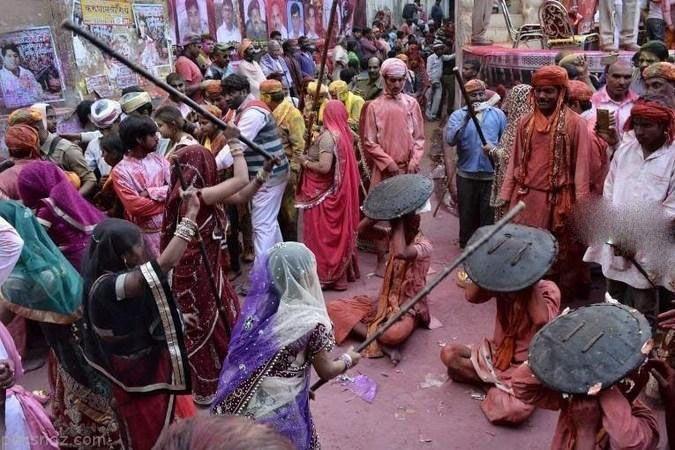 فستیوال کتک زدن شوهر در هندوستان +عکس