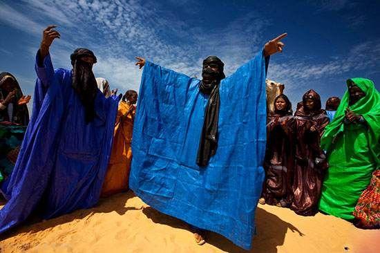 مردان محجبه به جای زنان در این قبیله آفریقایی