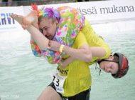 مسابقات جالب حمل همسر در فنلاند +عکس