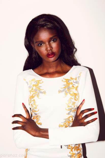 دختر مانکن سیاه پوست که شبیه عروسک باربی است