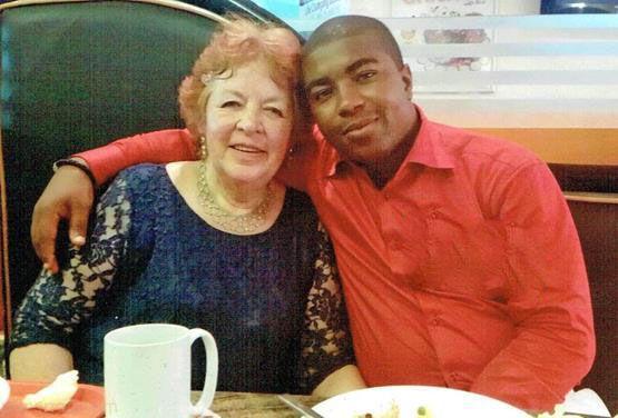 ازدواج پسر جوان سیاه پوست با پیرزن 72 ساله +عکس