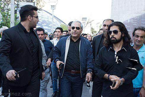 عکس های متفاوت از مهران مدیری و بادیگاردهایش در مشهد