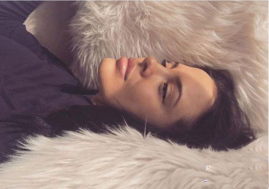 دختر زیبا با شباهت فوق العاده زیاد به آنجلینا جولی