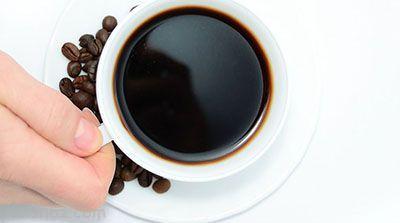 ترفند پاک کردن لکه های چای و قهوه از روی فنجان