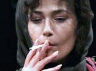 سیگار کشیدن لادن مستوفی روی صحنه جنجالی شد