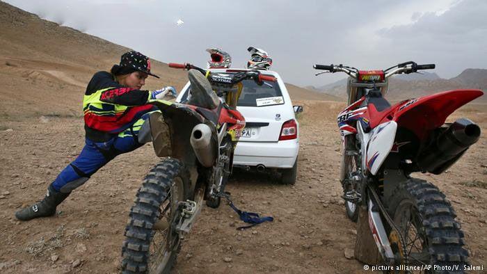 گفتگو با بهناز شفیعی دختر قهرمان موتور سواری ایران