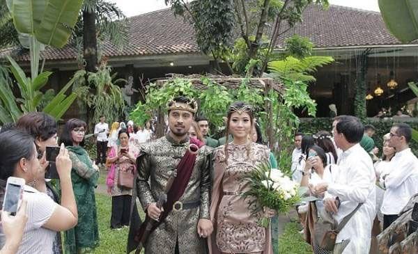 مراسم ازدواج زوج جوان به سبک سریال بازی تاج و تخت