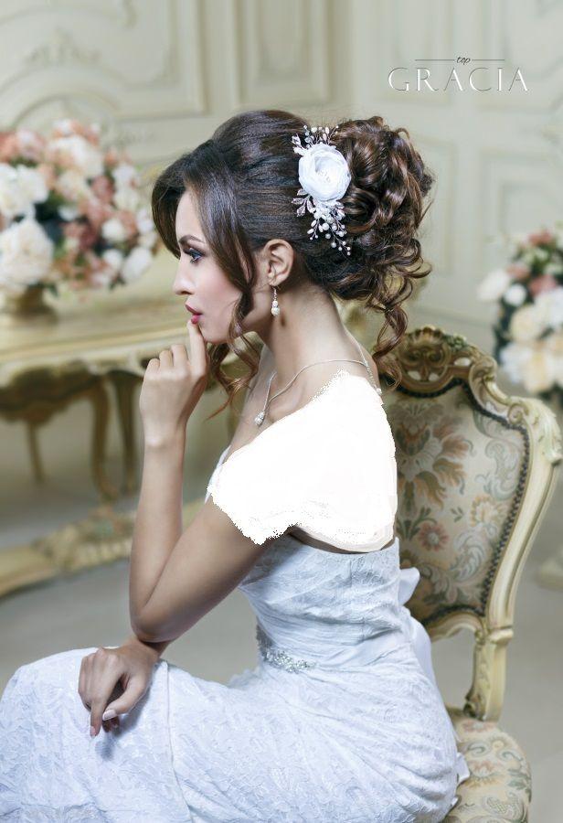 جذاب ترین مدل موهای عروس و آرایش صورت 2018