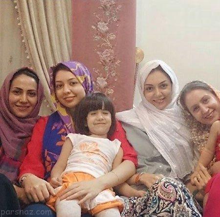 عکس آزاده نامداری در کنار خواهرش آذین