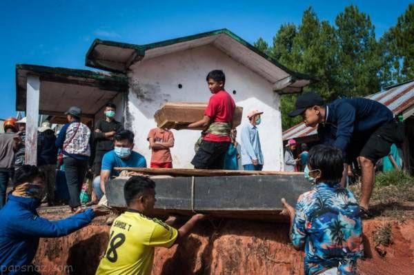 نبش قبر جنازه ها برای گرفتن سلفی در اندونزی